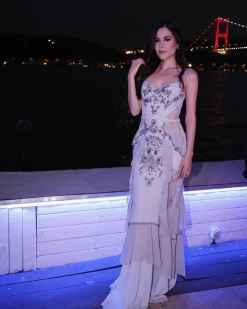 Zeynep Tosun Buz Mavisi Kiralık Elbise