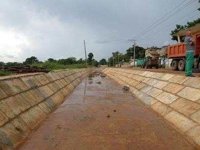 Canal de drenaje