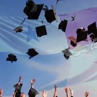 ¿Cuántos panameños terminan la carrera universitaria?
