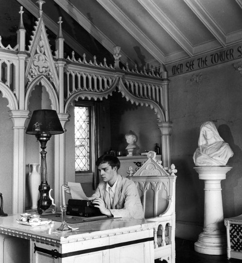 NEW YORK, UNITED STATES - 1946: Author Truman Capote at work on his first novel in the Tower Room at Yaddo Colony. (Photo by Lisa Larsen/Time & Life Pictures/Getty Images)