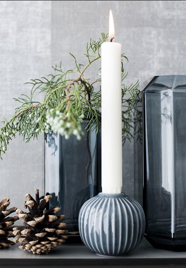 DECO | Un pequeño y precioso piso con la decoración navideña en blanco y negro