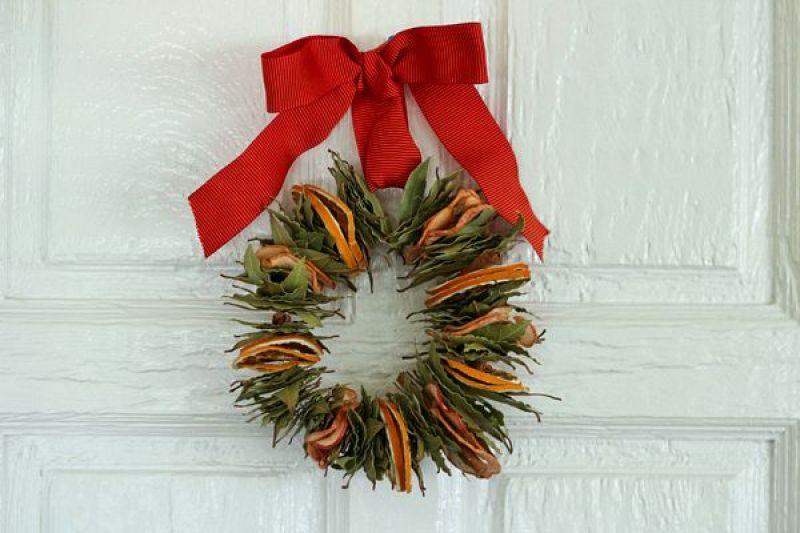 DIY | 8 preciosas coronas navideñas y cómo hacerlas paso a paso- El blog de Laucreativa