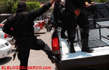 Sicarios ejecutan a un hombre en una cancha de futbol en Puebla