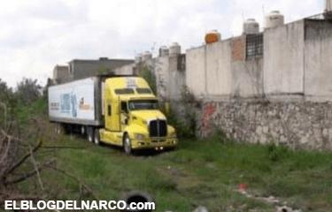 Identificados y entregados a familiares 17 de los 444 cuerpos depositados en tráileres en Jalisco