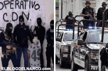 Exhiben a policías colocando temible narcomanta de CDN a plena luz (VIDEO)
