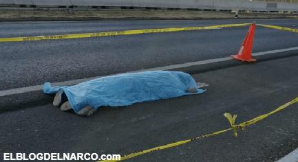 Durante asalto, 2 mujeres saltan de transporte para evitar robo; una falleció