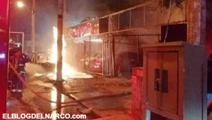 Confirman 2 cuerpos abandonados, Atacan cadena de taquerías y lote de autos en Celaya