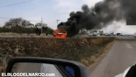 Vídeo de los narcobloqueos en Guanajuato por operativos contra el cártel de Santa Rosa de Lima