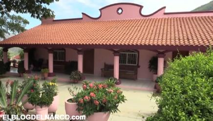 """La Casa Rosa el primer regalo de """"El Chapo"""" su madre cuando empezó en el Negocio del Narco (FOTOS)"""