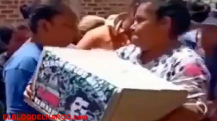 VÍDEO Sicarios del CJNG repartieron despensas en Guanajuato, el estado más afectado por el narco