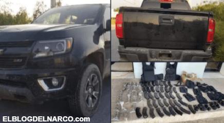Narcos se quedan sin arsenal, se les poncha llanta y abandonan armas cerca de la frontera