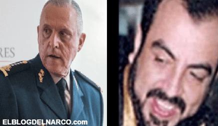 El Barbas y Cienfuegos se echaban sus tequilas junto a una Secretaria en un yate en Acapulco