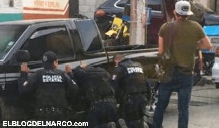 Sicarios golpearon a policías, los hincaron, les pidieron bajarle de huevs y les dieron una semana para irse