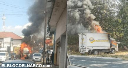 FOTOS Sicarios roban camiones y los queman en pleno centro de Uruapan, Michoacán