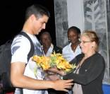 Presente dado a Héctor por admiradores de su trabajo como deportista y ejemplaridad