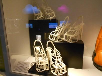 Zapatos creados con una impresora 3D tras escaneo de los pies