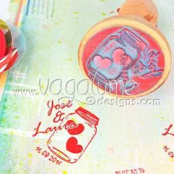 sello_bote_corazones_nombres_novios_fecha_boda_decoracion_detalles_invitados_vagalume_designs_3web