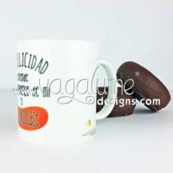 taza_mi_felicidad_depende_de_mi_y_del_chocolate_regalos_originales_divertidos_vagalume_designs_4web