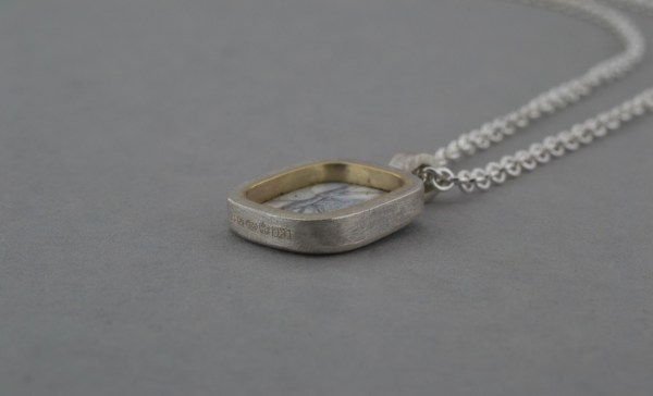 Right side view of pendant