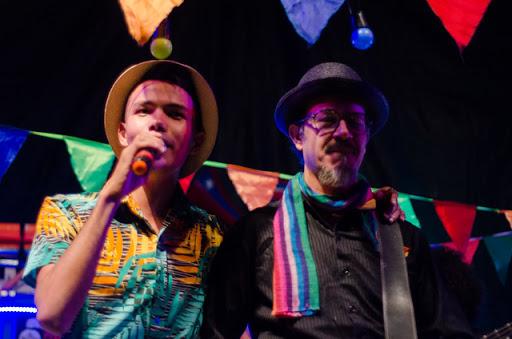 Mestre Anderson Miguel e Siba