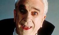 """Leslie Nielsen en """"Drácula, un muerto muy contento y feliz"""" (1995)"""