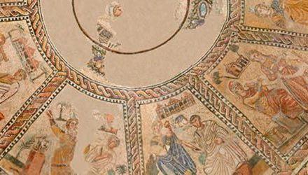El Mosaico de las Musas con el MAN – La Rivalidad entre Seth y Horus
