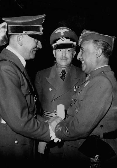Hitler y España en Hendaya en el que se demuestra el papel de España en la Segunda Guerra Mundial