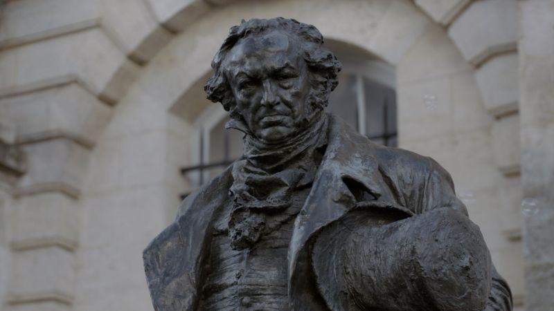 Francisco de Goya en Oscuro y Lucientes.