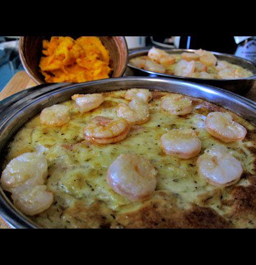 Flan de Esparragos con gambones y salsa de zanahorias