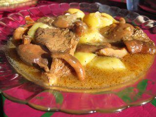 Níscalos con patatas a la cazuela