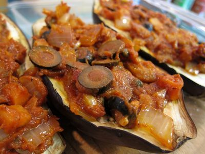 Berenjenas rellenas vegetarianas especiadas con salsa de yogur y mostaza 14