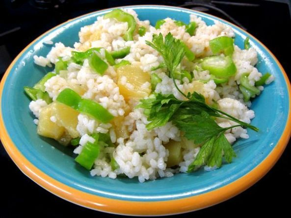 Ensalada hawaiiana de arroz