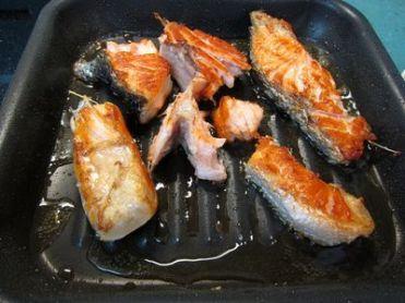 macarrones-integrales-con-salmon-fresco-y-pesto-de-albahaca-