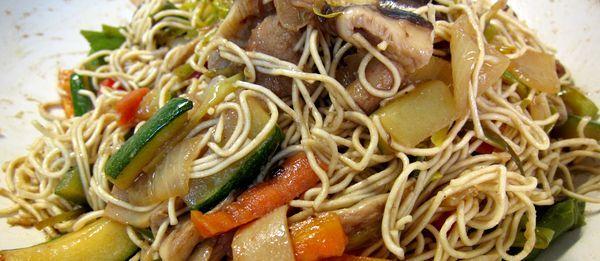 Fideos Chow Mein con verdurasfideos-chow-mein-con-verduras-FI
