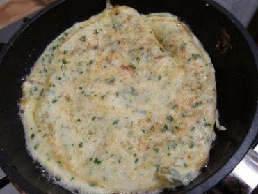 tortilla-de-perejil-ajo-y-pan-rallado-