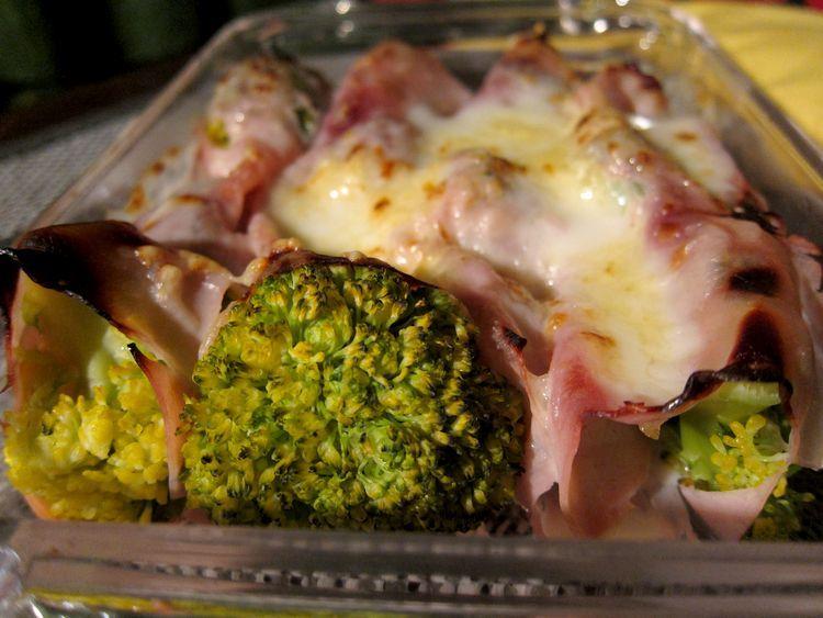 canelones de brócoli con jamón de york