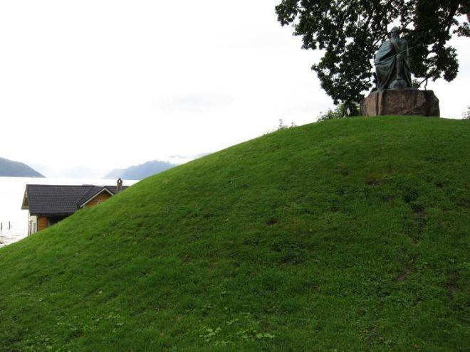 túmulos de época vikinga, Balestrand