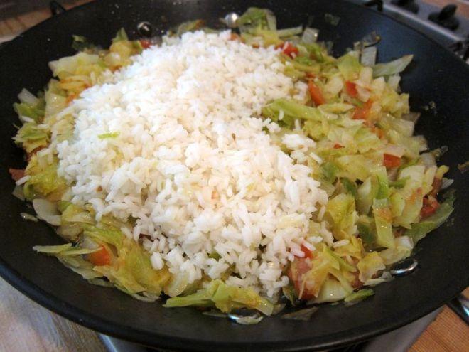 arroz-salteado-con-repollo-
