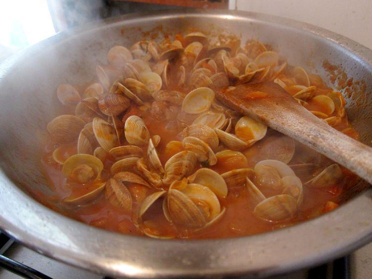 almejas-en-salsa-10