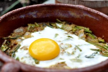 cazuela-de-esparragos-verdes-con-huevo-al-horno-09