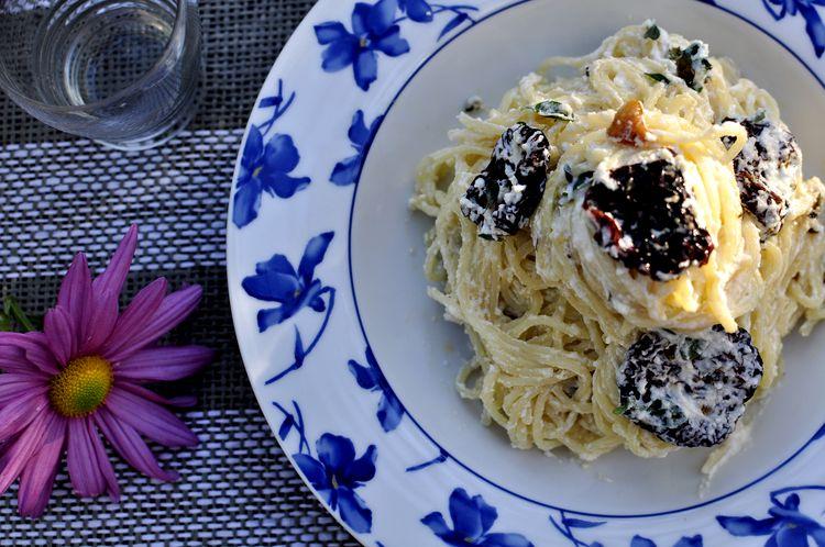 spaghetti-con-tomates-secos-en-aceite-y-ricotta-09
