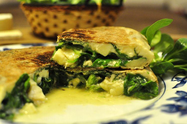 tortilla-de-canonigos-y-queso-brie-11