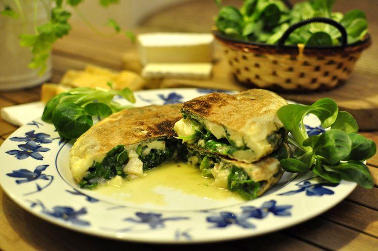 tortilla-de-canonigos-y-queso-brie-12