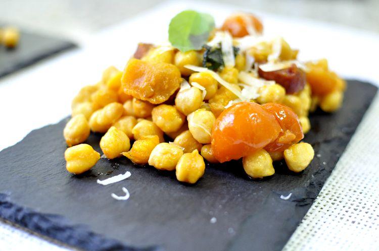 garbanzos-con-chorizo-tomates-cherry-albahaca-09