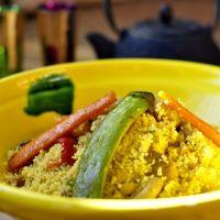 Cuscús con pollo y verduras (receta de Marruecos) 🇲🇦