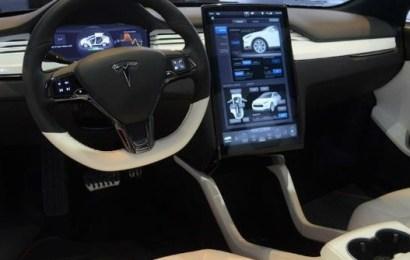 Вышло обновление программного обеспечения Tesla Model S