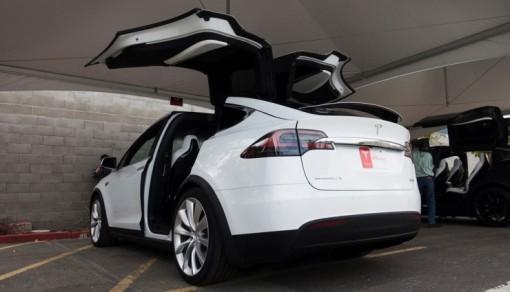 Tesla-Model-X-2015-Videos-740x425-510x292