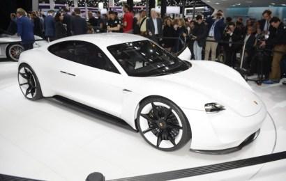 Компания Porsche выбирают поставщика для нового проэкта