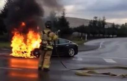 Неожиданное возгорание Tesla Model S