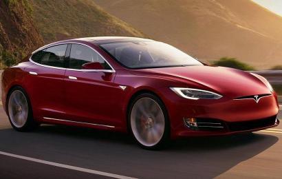 Уже стали известны цены на электромобили Тесла Model S P100D и Model X P100D